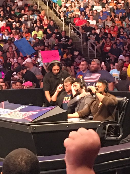 #CreepMode on @HEELZiggler ? #SmackDown https://t.co/WWj1KsyeXB