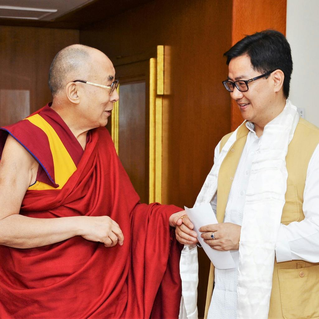 Dalai Lama Peace Sign