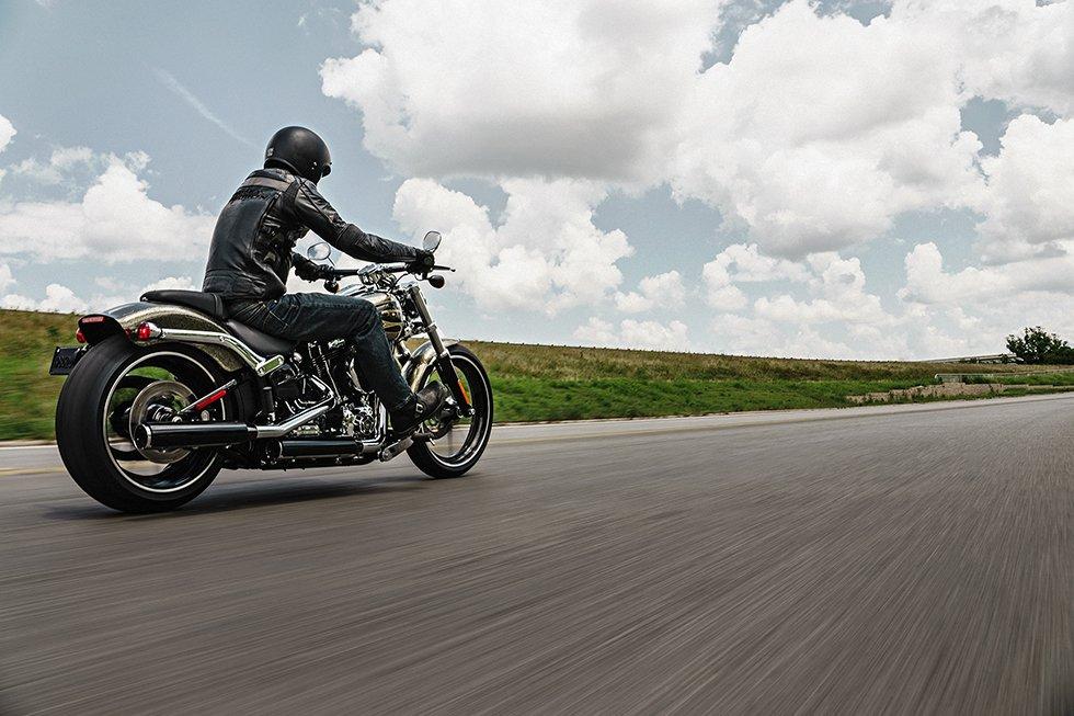 All'Asta la moto Harley-Davidson FLH 1200cc del 1971 di Ewan McGregor