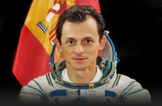 Tenemos la primera gran sorpresa:  El astronauta @astro_duque estará en Naukas Bilbao!   (16/17 septiembre) https://t.co/licBxLQJCM