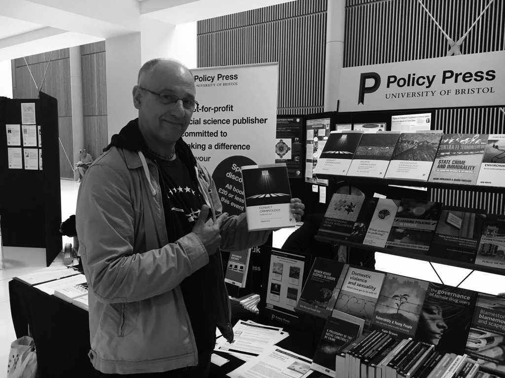 Check this out #BSCConf16 a real steal #criminology author meets book #convictcriminology https://t.co/gxcn4ngMQb