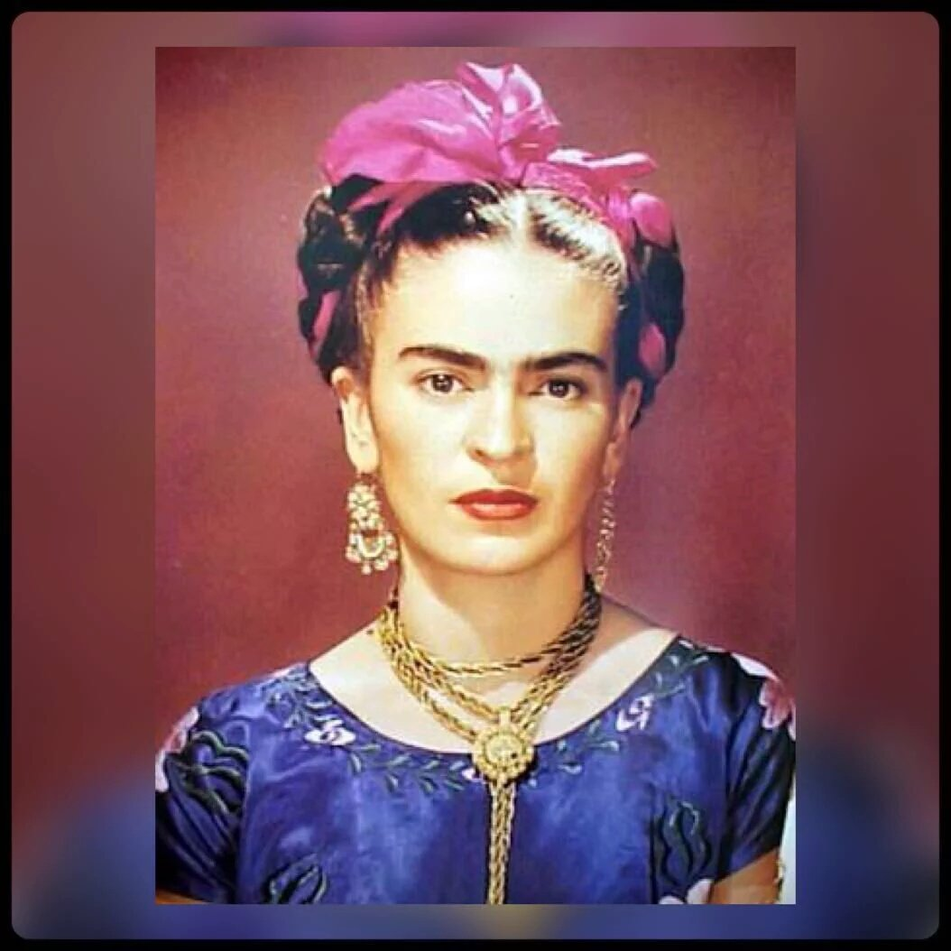 #FridaKahlo De nada sirve que la imaginación tenga alas si el corazón es una jaula! Orgullo de mujer comunista! https://t.co/fSA9Gr51GB