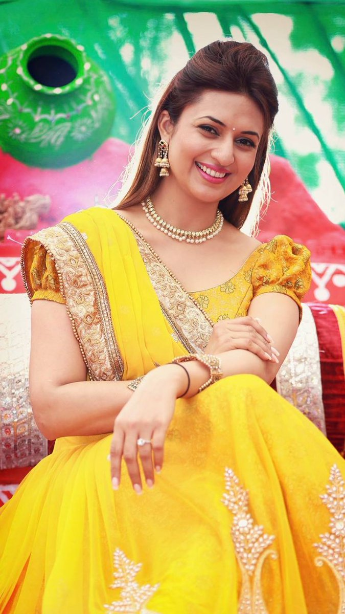 Divyanka Tripathi  IMAGES, GIF, ANIMATED GIF, WALLPAPER, STICKER FOR WHATSAPP & FACEBOOK