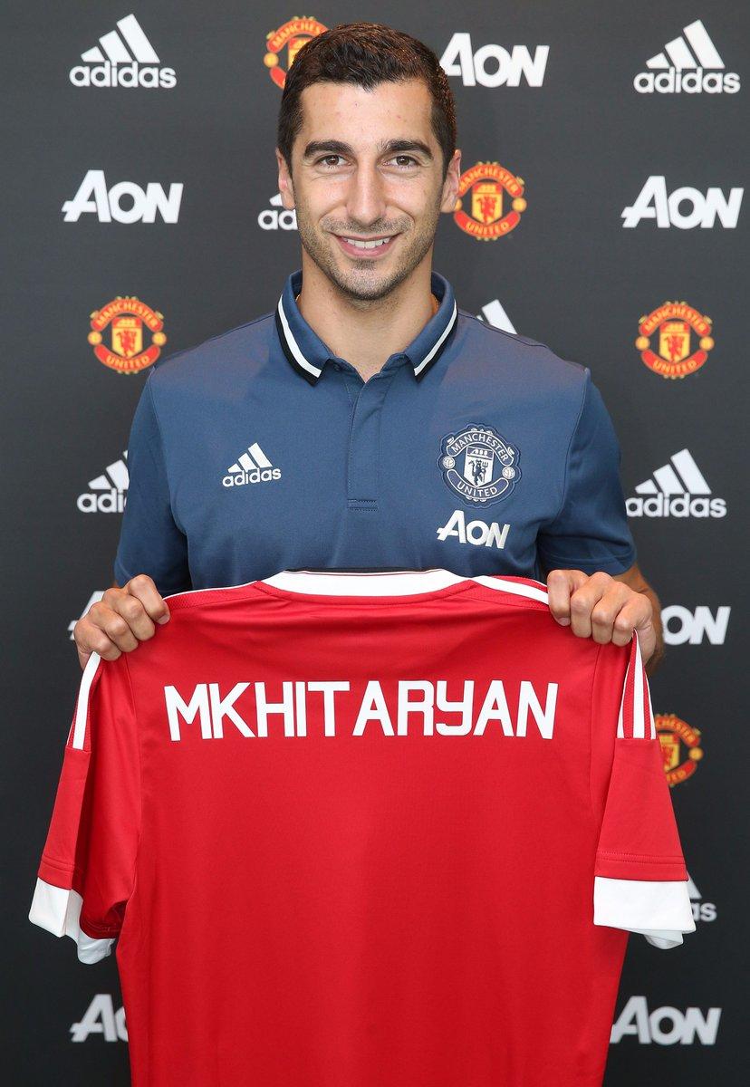 Manchester United plete signing of Henrikh Mkhitaryan on four