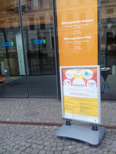 In 28 minutes more, Sparks opens its exhibition in Bonn, yeay!!!! @sparks_eu @Ecsite https://t.co/yQkbc0NhjG