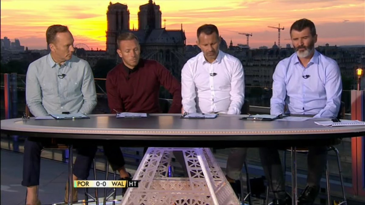 Imagine being in Paris with that sunset. And facing away from it to talk bollocks. https://t.co/pGc3Mas1vV
