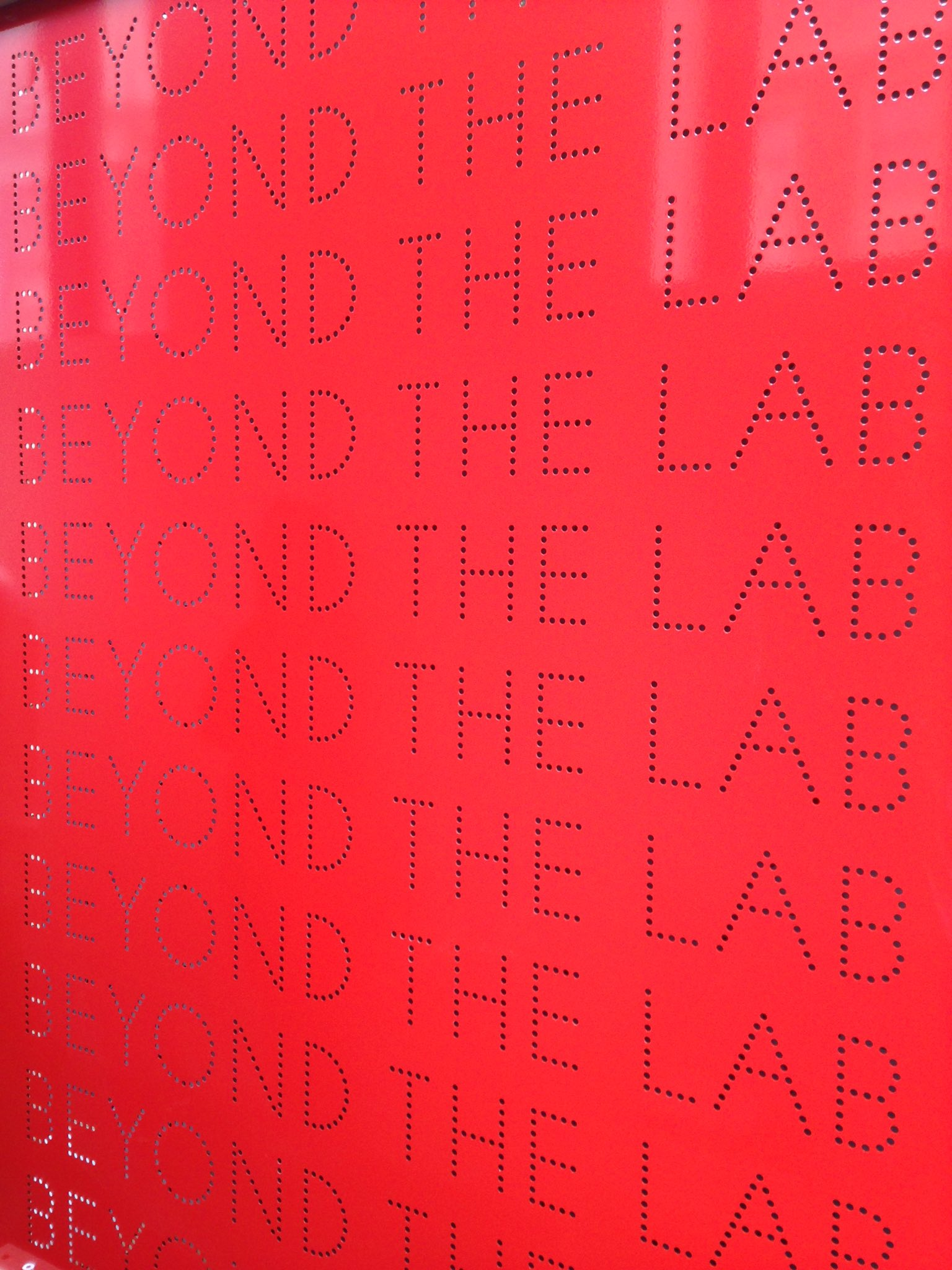 Edgy exhibition by @louis_buckley+team @sciencemuseum Unconventional but high impact science happening #BeyondtheLab https://t.co/MbGvb4Svht