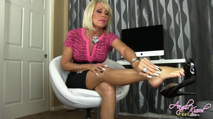 Foot Fetish Removal Therapy (WMV-HD 1080p) #FOOTFETISH #MINDFUCK https://t.co/l6uYfregDx via @clips4sale
