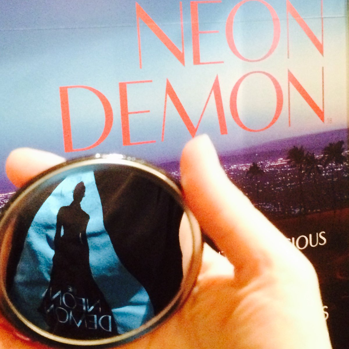 #TheNeonDemon opens tomorrow and we have some gorgeous T-shirts and beautiful hand mirrors to give away. RT to win! https://t.co/7yuyaVy080