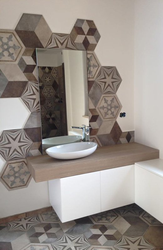 A newly completed #bathroom by  http://www. pucciarini.it  &nbsp;  ,with a starring role played by our #Heritage #HexagonalTiles <br>http://pic.twitter.com/v1mGYe9xw3