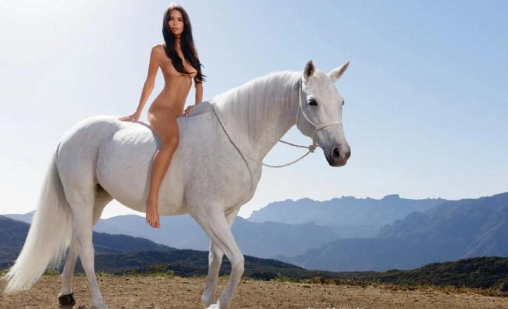 Naked lady godiva pictures