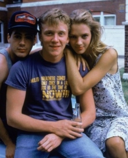 Robert Downey Jr, Anthony Michael Hall, Uma Thurman in Johnny Be Good (1988)