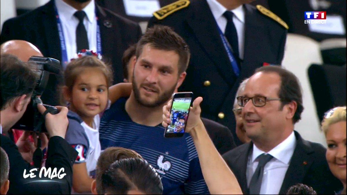 En direct du Stade de France: un désespéré se colle à Gignac pour figurer sur les selfies. #FRAALL #FRA  #GER https://t.co/rELwEtCSF0