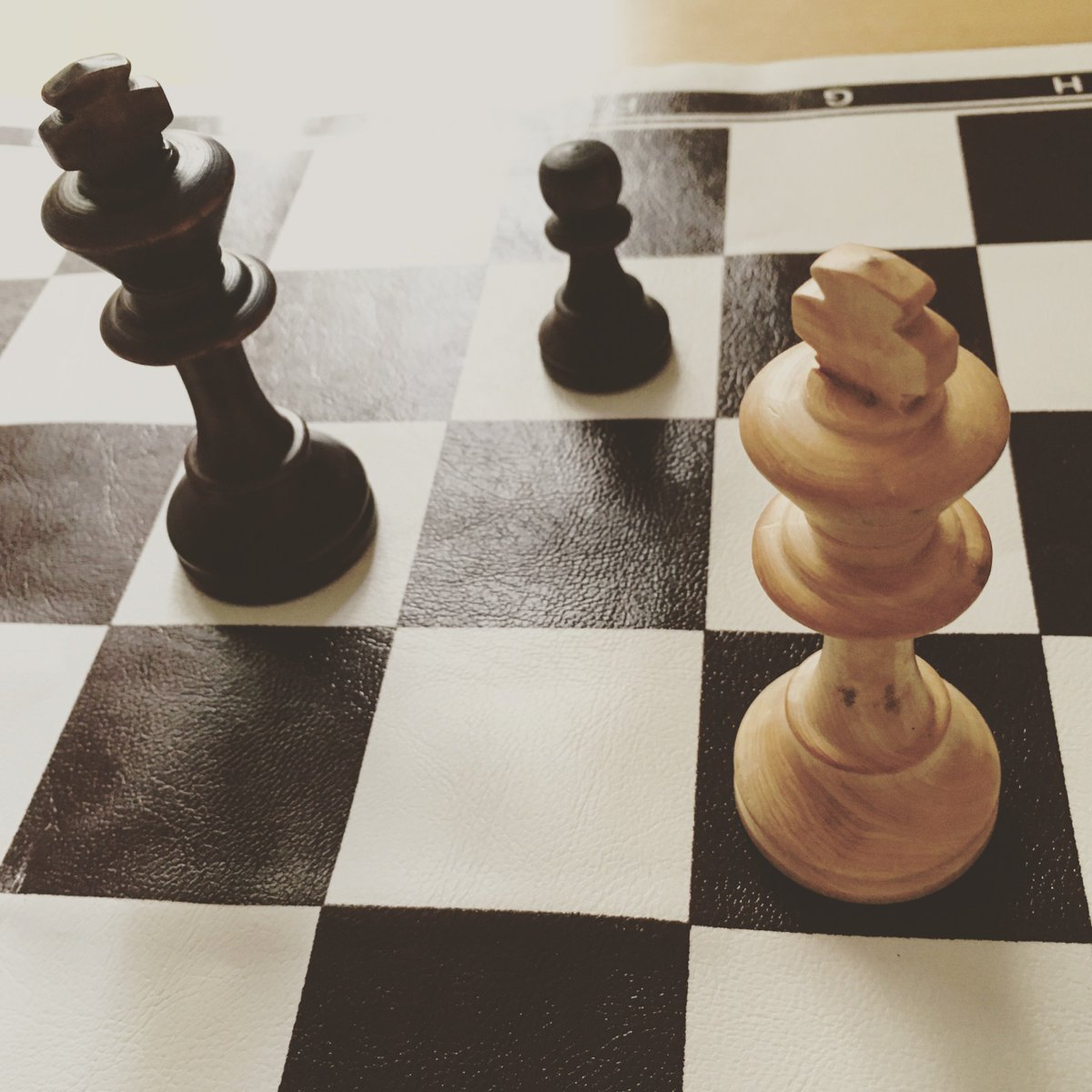 HAPPY CHESS DAY! :) Play chess and be happy! :) https://t.co/qsgHSxYokd