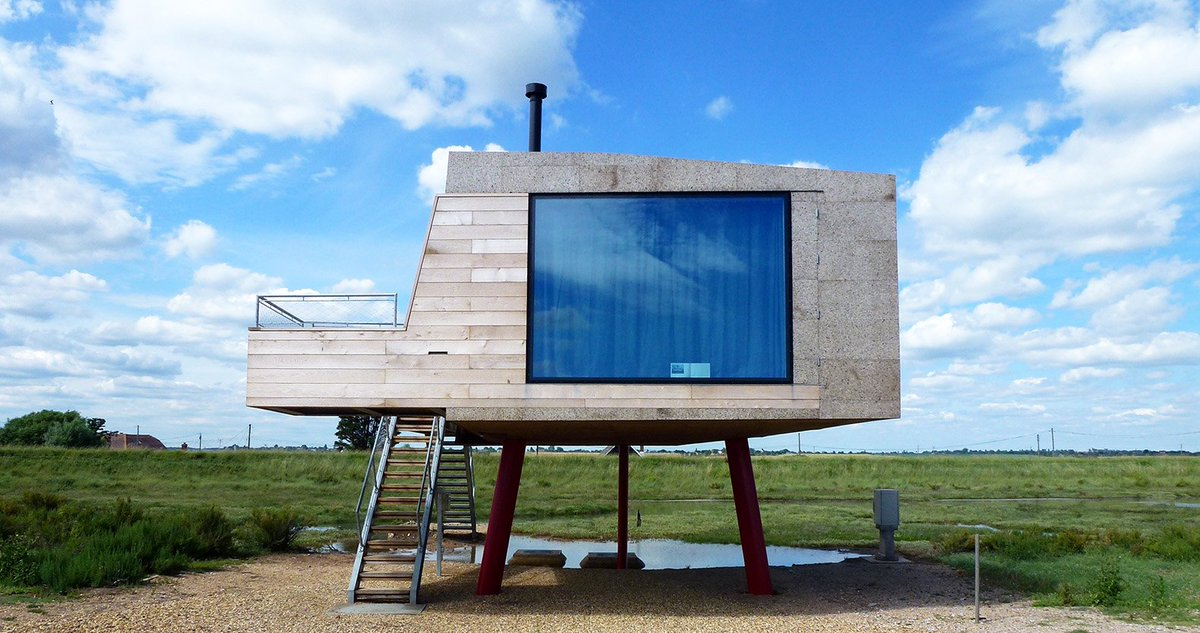 "A #tiny #beach #shack in #Essex wrapped in ""magic"" #cork panels https://t.co/zH0FmxpwVi"