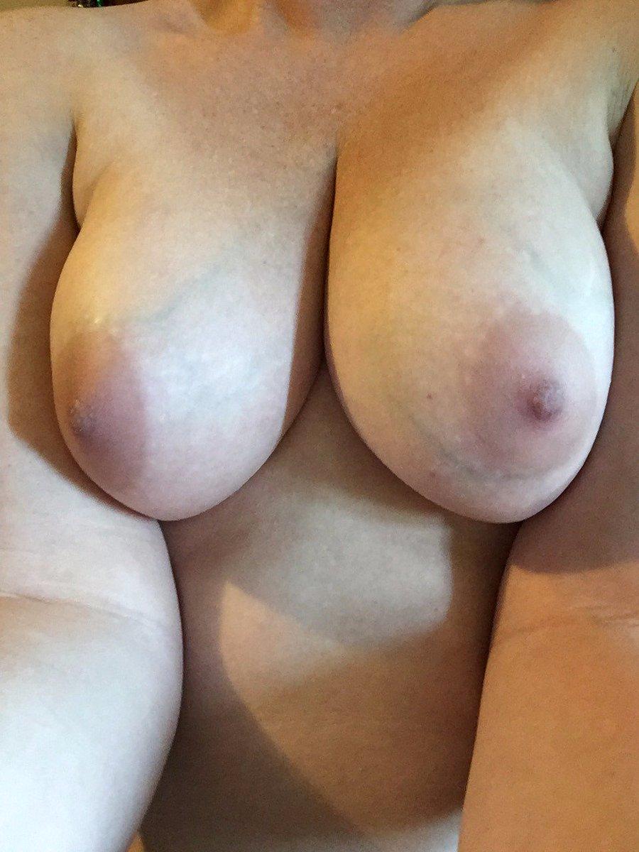 Nude Selfie 7250