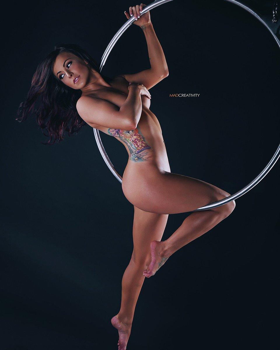 rhythmic-gymnastics-naked