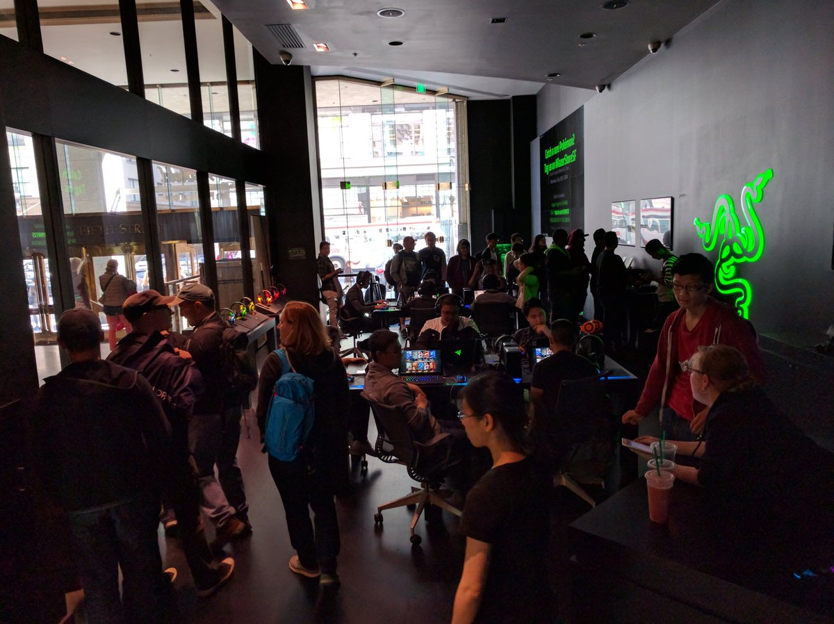 Trainers gathering from far and wide. Stop by #RazerStoreSF at 7pm for #PokemonGO Crawl https://t.co/dp6JgqwLzL https://t.co/zTB6YQl8Ce