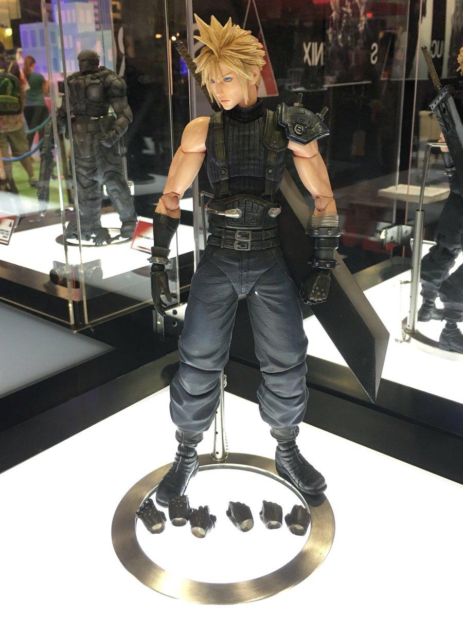 Square Enix Final Fantasy VII Remake Play Arts Kai Cloud Strife Version 2 FF7