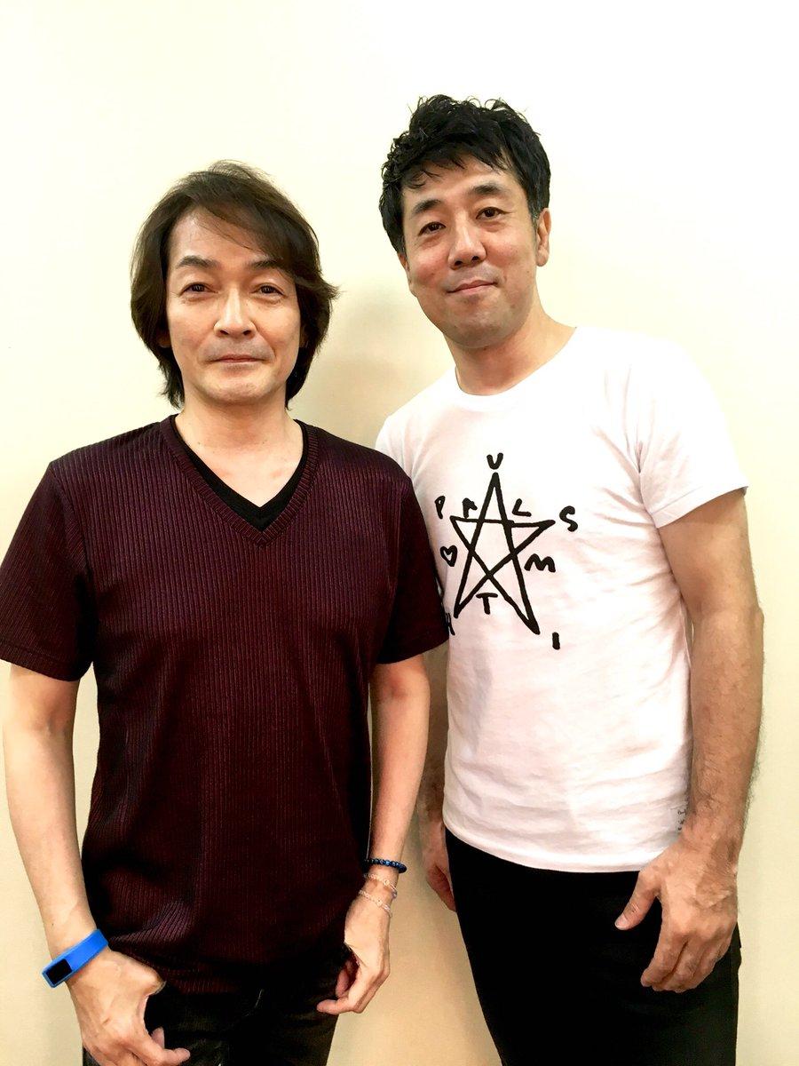 竹本孝之さんのデビュー35周年コンサートに堀江淳さんとゲスト出演。盛大な盛り上がりでした!竹本さんおめでとうございます!そして僕は53歳になりました。そう本日は僕の誕生日。お祝いメッセージをくださったみなさん、ありがとうございます! https://t.co/ZSdVMaHFfu