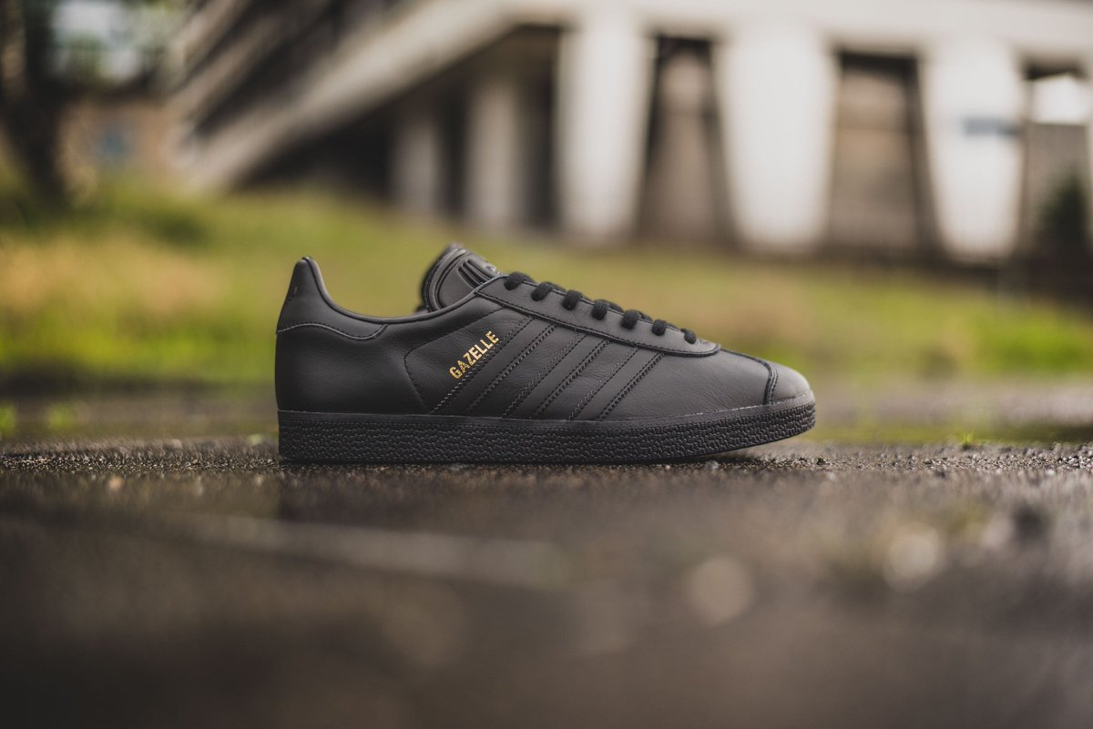 adidas gazelle core black leather
