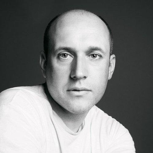 Did you see this week's shock designer departure news? https://t.co/RFn14nIphy @OscardelaRenta #PeterCopping https://t.co/X78tGetITm