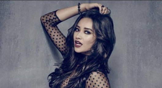 Check out #PLL favorite @shaymitch sharing her fave 10 #travel spots worldwide:  https://t.co/Fi5yzpbD2e https://t.co/NPxRhRKDqD