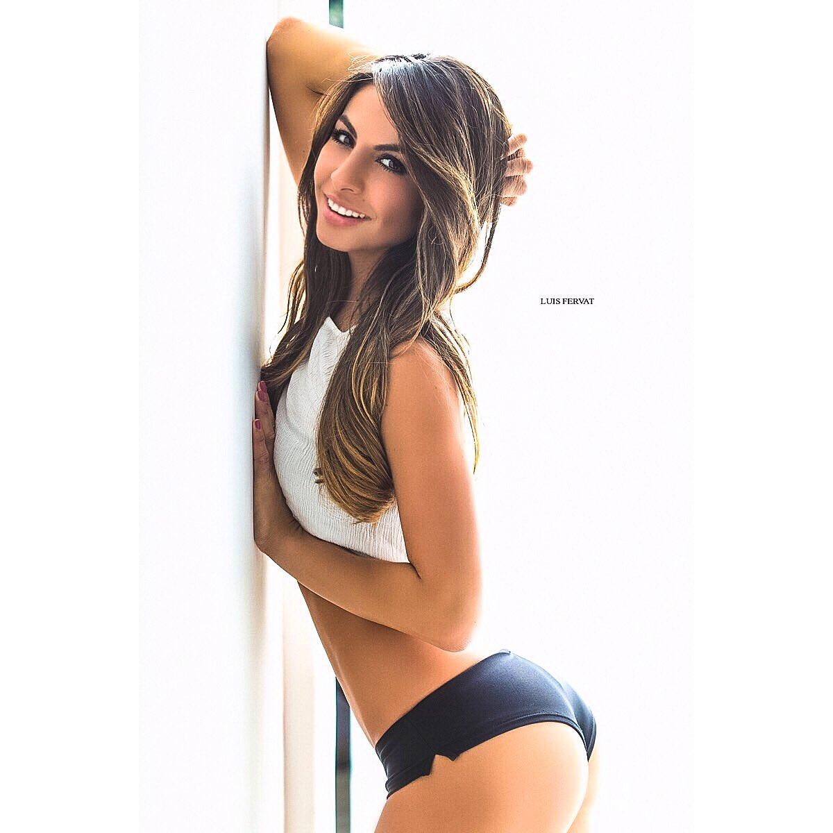 Daniela Fainus Nude Photos 30