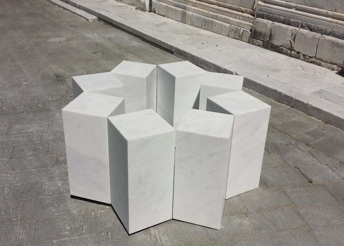 Talvolta le magie si fanno coi parallelepipedi #RemoSalvadori #Carrara #CarraraMarble @MarbleWeeks #sculpture