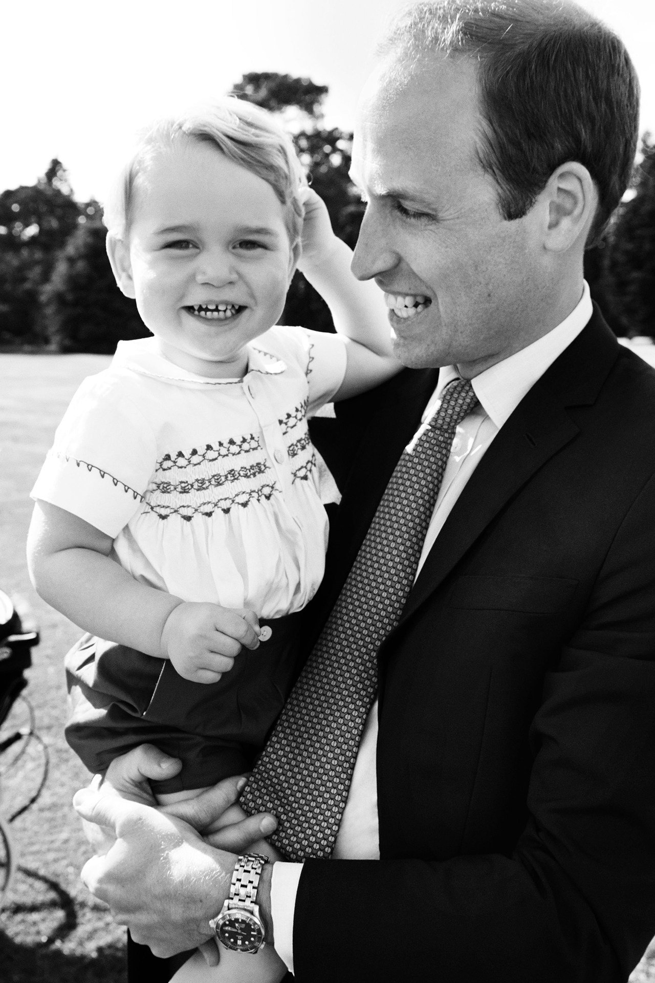 Following his third birthday, look back inside the Prince George photo album https://t.co/LQq6Kk8MNM https://t.co/bfckfvduJf