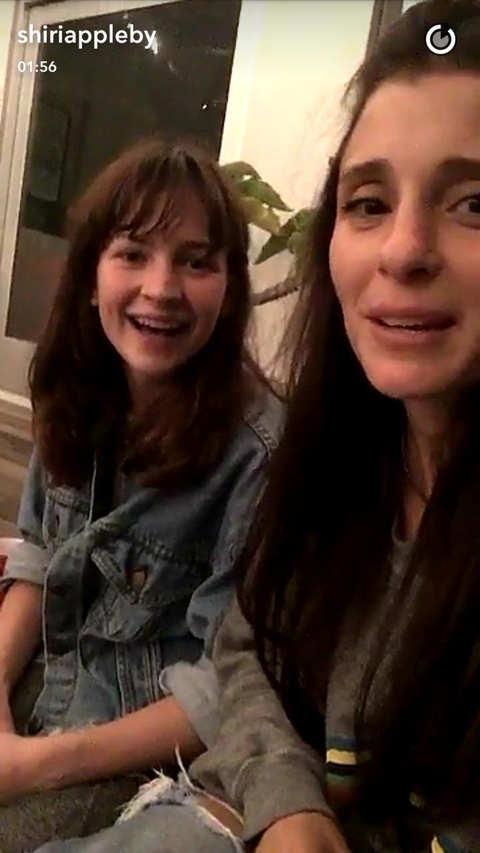 Shiri appleby selfie