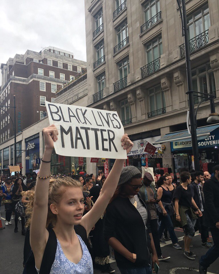 Contrary 2 what u may see on TV, there were ppl of all races coming together, peacefully! #blacklivesmatter #London https://t.co/BxT0FSwEYz