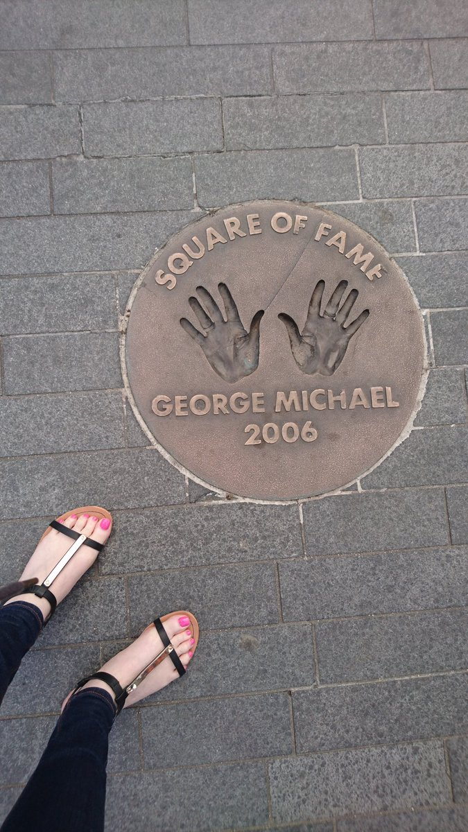 BREAKING NEWS!  Just spotted this in London.  Apologies for my feet. @georgemichael #StillTheGreatest https://t.co/UAdZ4z8CVI