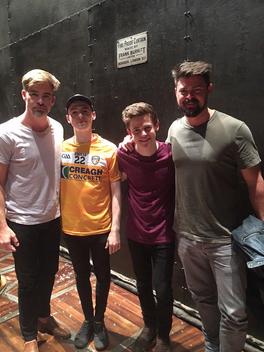 When #StarTrek met #HarryPotter... #ChrisPine, @KarlUrban with @antoboyle & @sam_clemmett this evening! #CursedChild