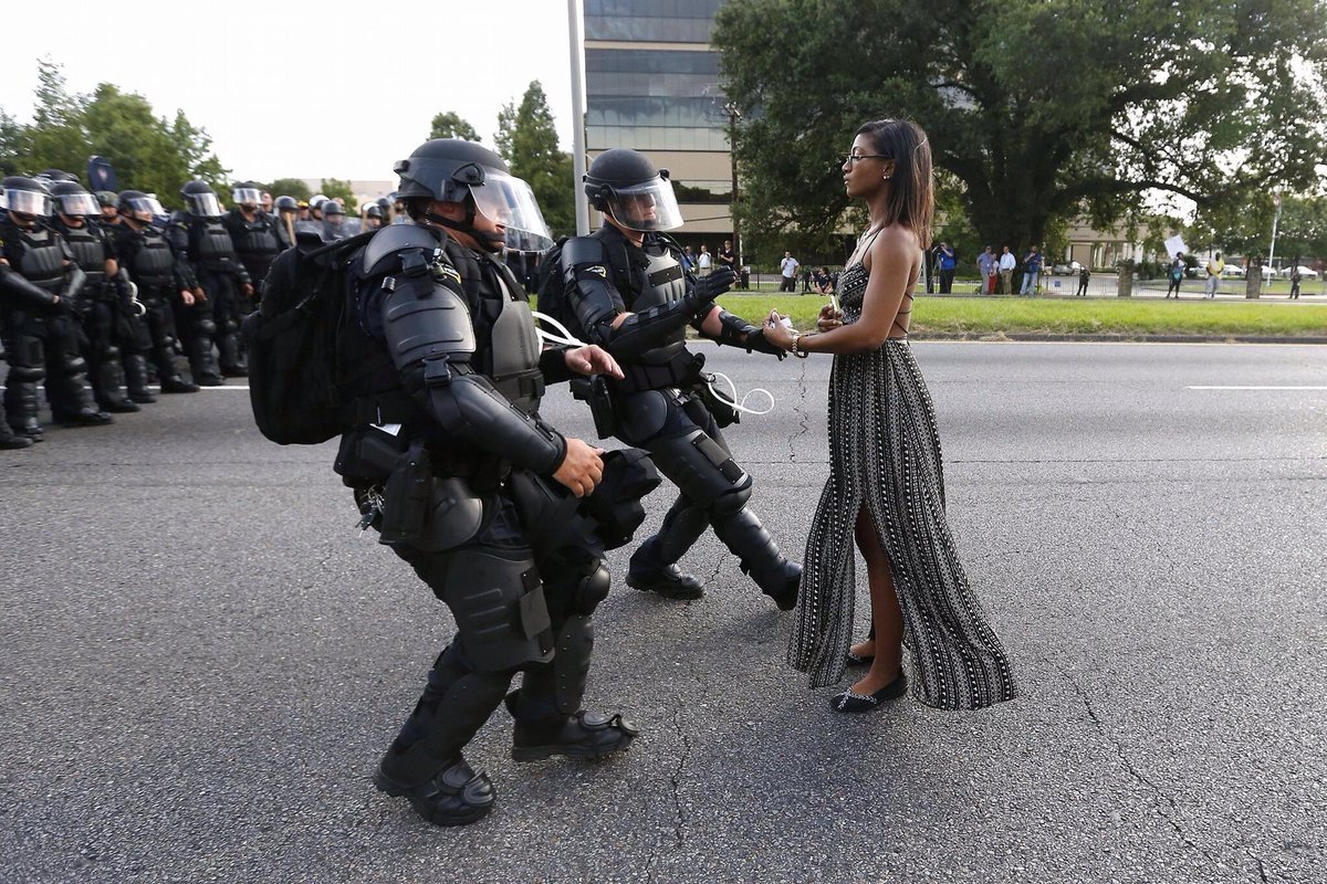 This @Reuters photo is captivating. The power of photojournalism to capture a moment and sentiment. #BatonRouge https://t.co/bH1GKSDQoZ