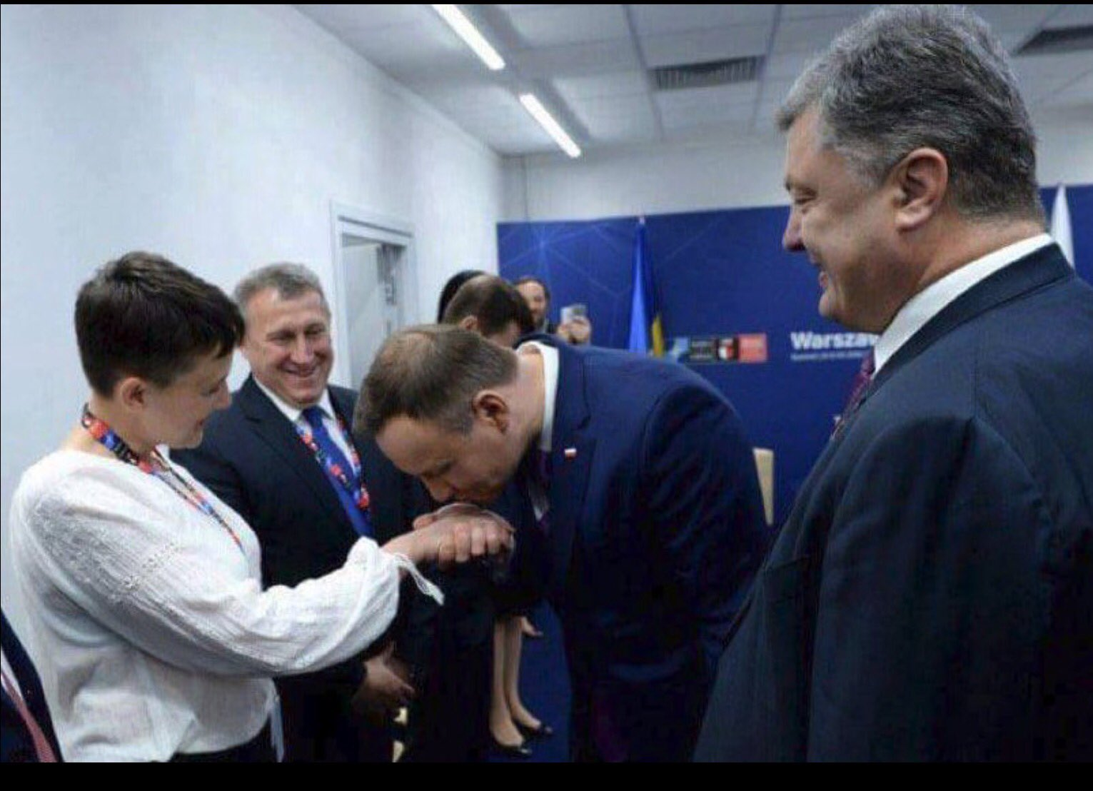 Запад у одра «отравленных жертв» Москвы