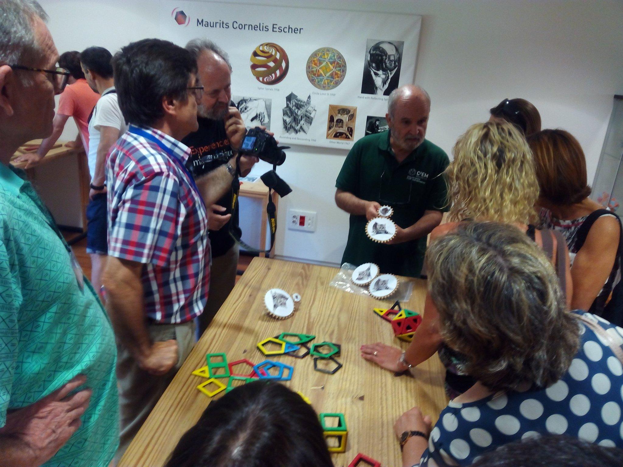". @JosepReyNadal ""jugar es educar la intuición"" @mmaca #c2em https://t.co/7JIc9u4EZM"