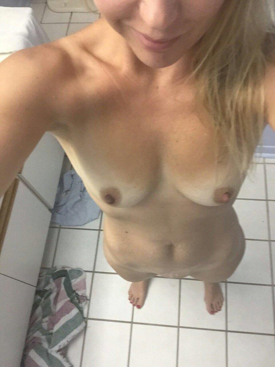 Nude Selfie 6792