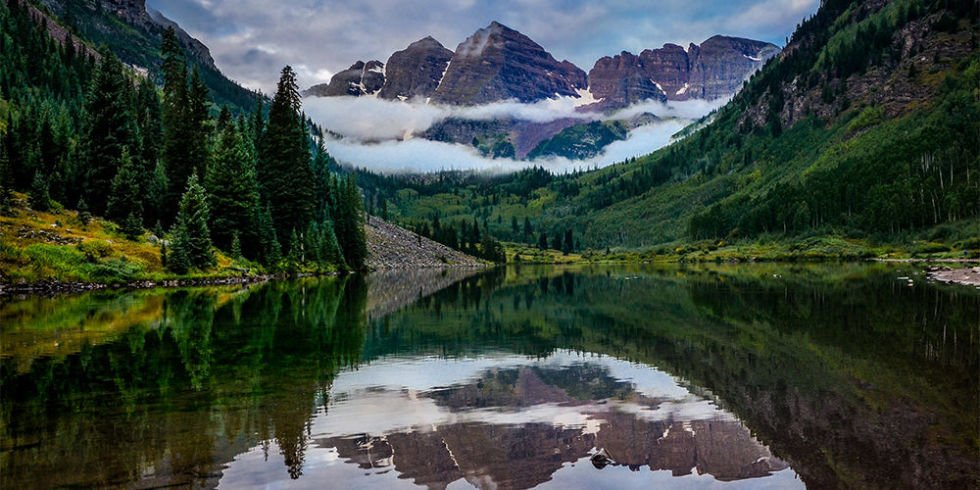 """One of the most beautiful mountain towns in the world"" READ @ELLEmagazine Guide to #Aspen: https://t.co/WhEjukZijT https://t.co/skYKmL9c5R"