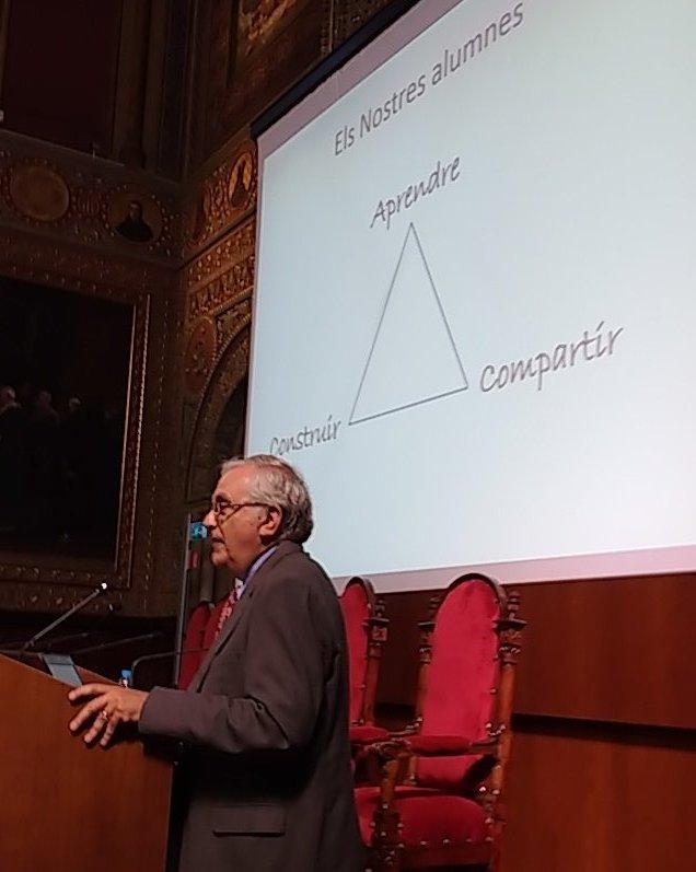 Compartir, construir, aprendre, comença la conferència d'Abraham Arcavi a #c2em. https://t.co/tWTAbK5ApL