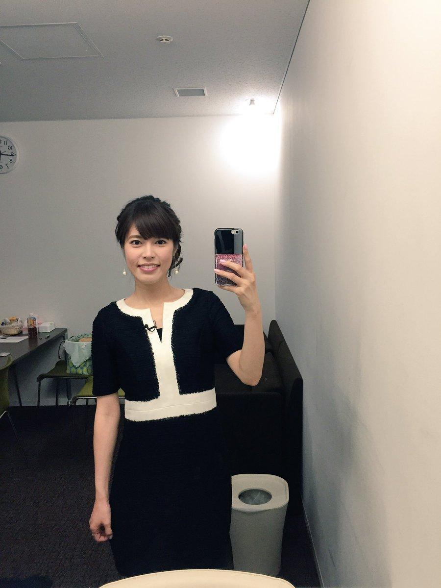 白✖︎黒のシックで大人っぽいワンピースを着ている神田愛花アナの画像