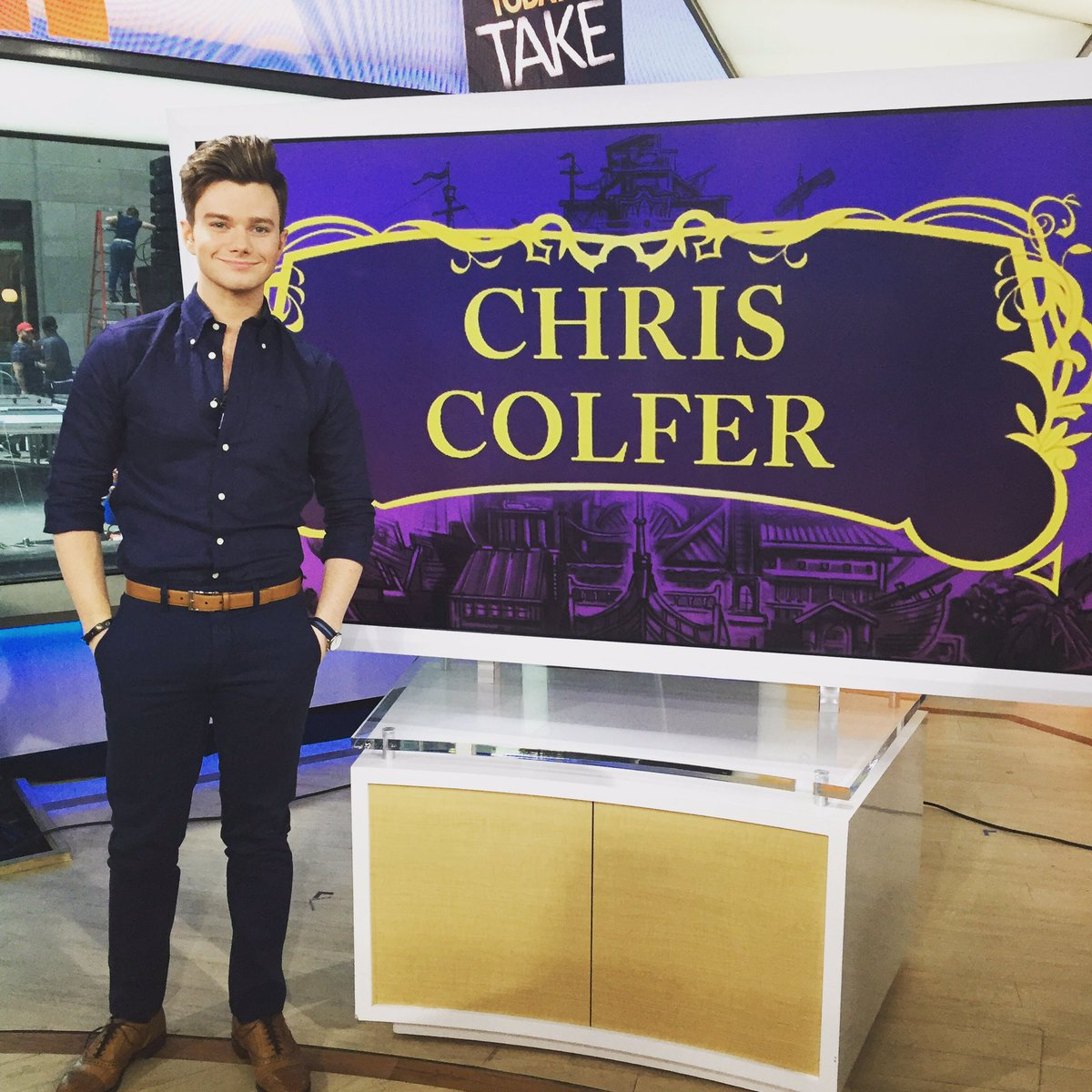 Chris Colfer Instagram - Page 22 CnFpgEeW8AAiop2
