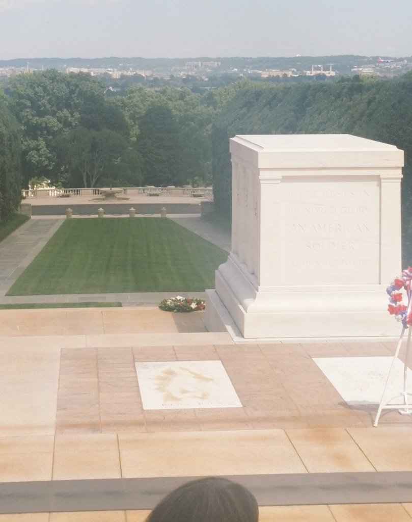 Tomb of the Unknown Solider, Arlington National Cemetery near Washington D.C. #ConAcad16 https://t.co/wesv8BH1Gt