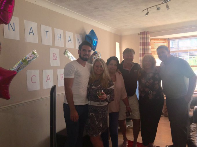 The MASSEY & DE LA HOYDE families are ready for the #LoveIsland final Please vote NATHAN & CARA @itv2