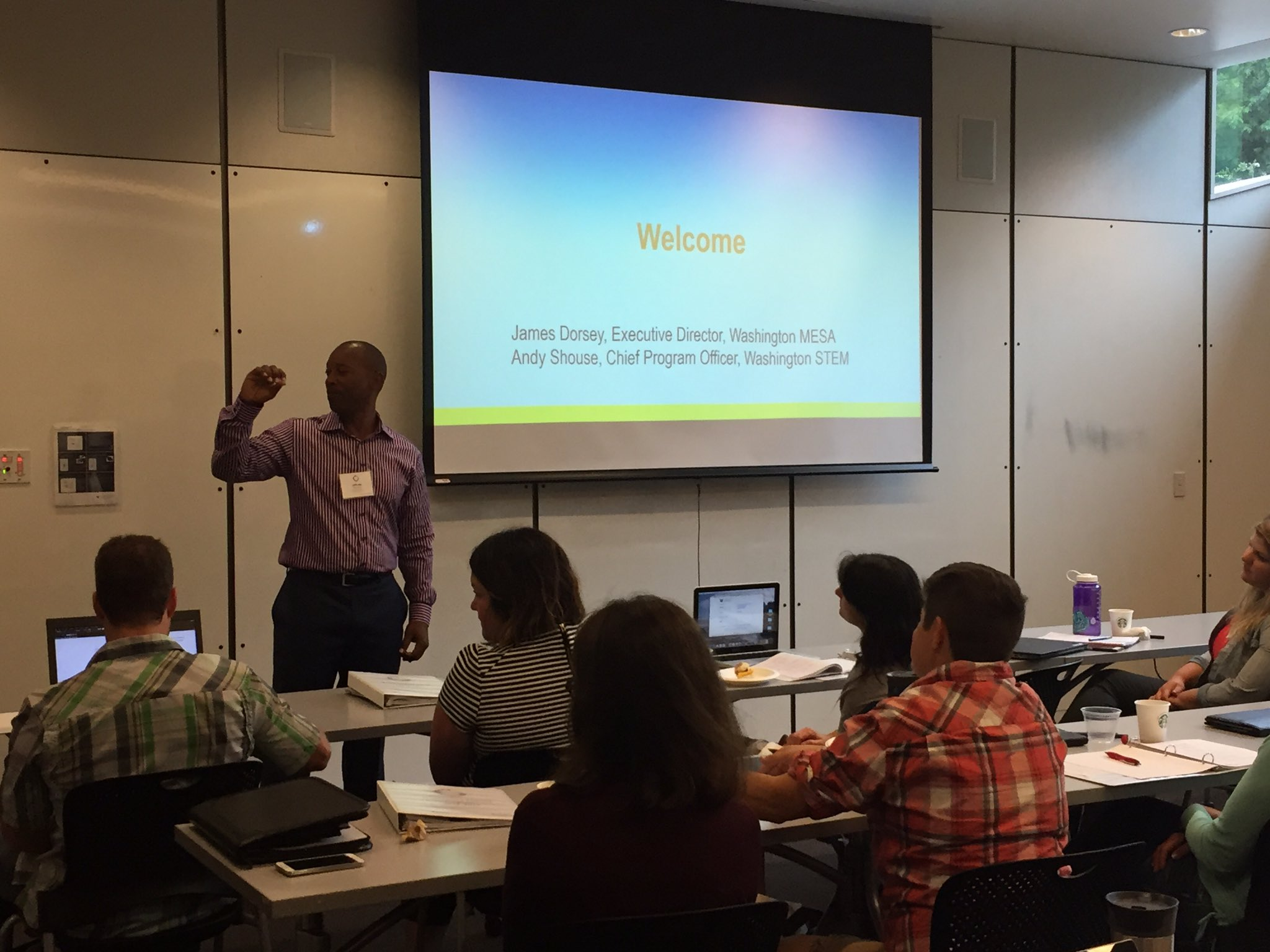 @washingtonstem and our ED, James Dorsey, kicking the week off #EngineeringFellows #STEMeducation https://t.co/BHaNNCCn54