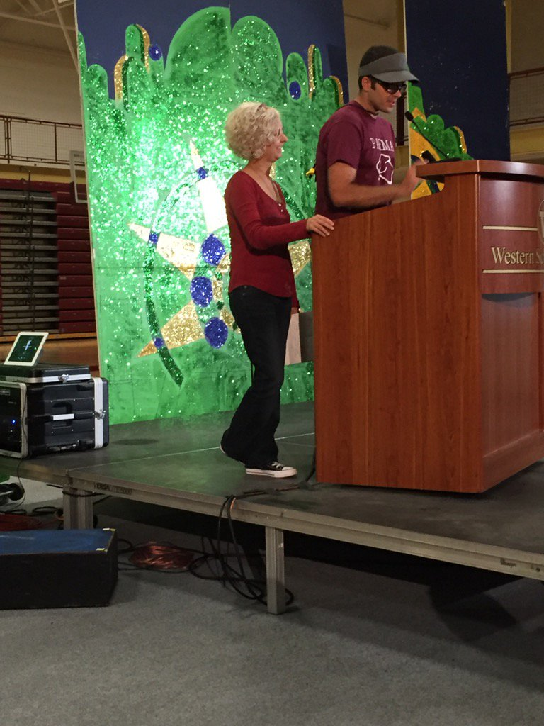 That moment Kate DiCamillo walks into #nErDcampMI https://t.co/PXF0h4Evqv