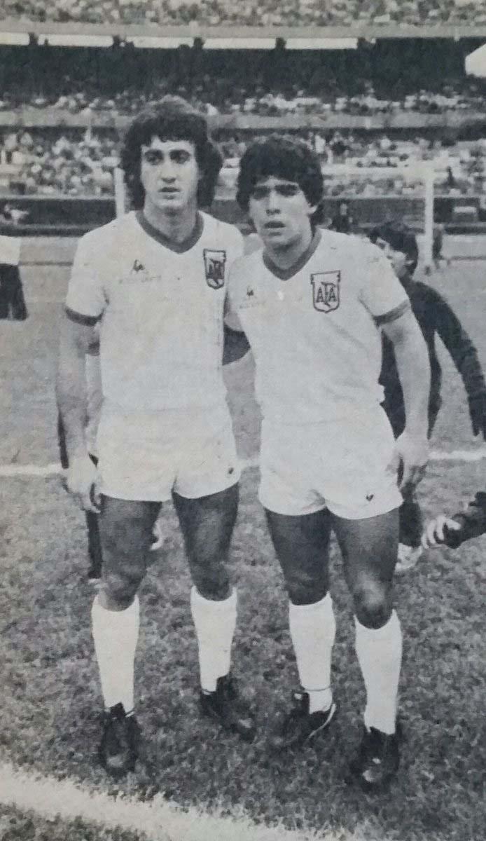 "Maradona Retro PICS on Twitter: ""Con el Beto Alonso en 1980 ..."