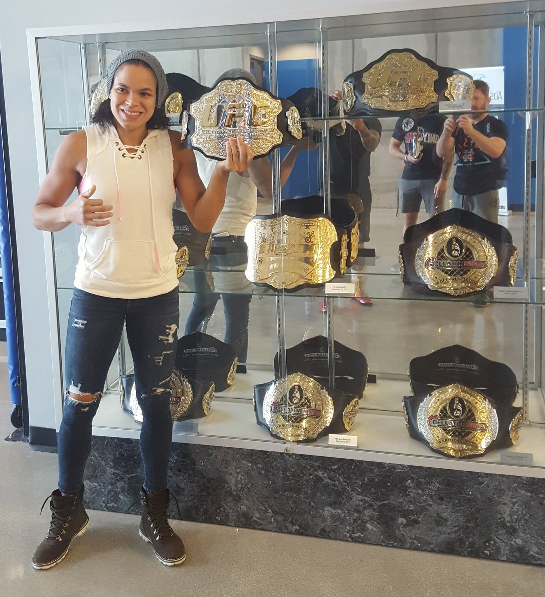 @Amanda_Leoa adding another title to #americantopteam collection. https://t.co/f5oOKxOcy8