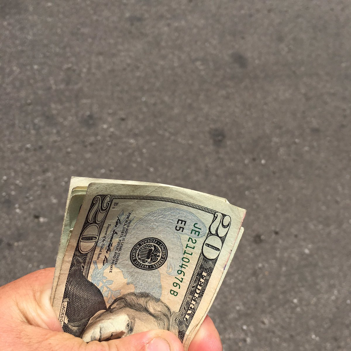 Anyone in #Cle lose some money today? Found it at w3rd & prospect, id love to return it. How much? & what color band https://t.co/dLKDUhEvbu
