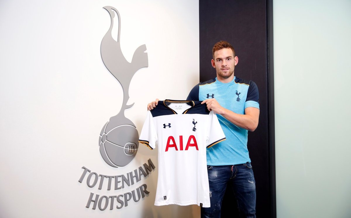 Tottenham Hotspur sign Netherlands striker Vincent Janssen